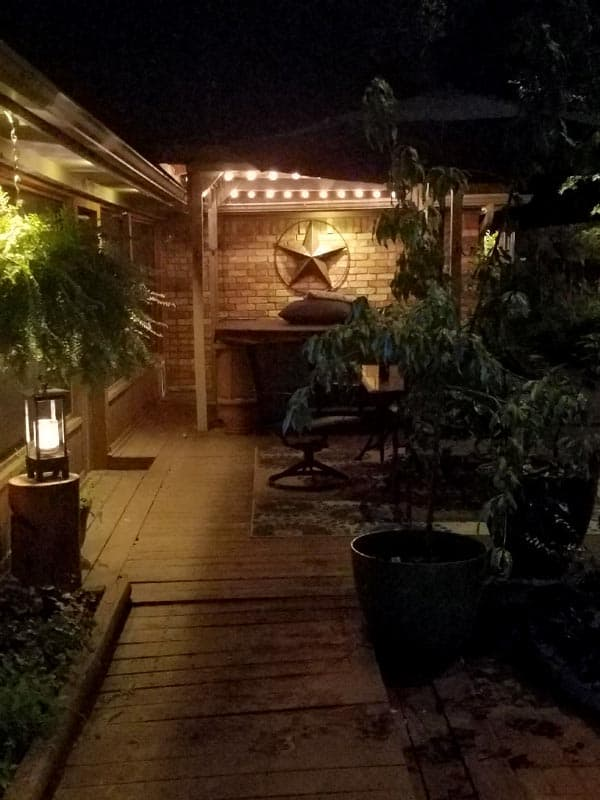 Patio LED lighting lights up the patio in a Boerne backyard